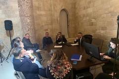 Accesso stradale a Castel del Monte: presidio fisso della Polizia locale nei week end