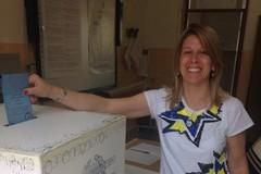 Anche l'ex consigliera azzurra Micaela D'Avanzo lascia Forza Italia per aderire al progetto civico di Marmo