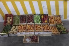 Vendita abusiva: sequestrati circa 140 chilogrammi di frutta e verdura