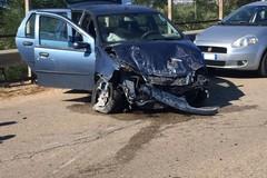 Tragedia sfiorata sull'Andria Bisceglie: auto sbanda sul ponte dell'A/14 e sfonda il guard rail