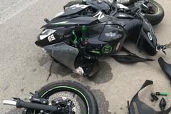 Grave motociclista caduto sulla tangenziale dopo aver investito un cane