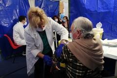 Vaccini, disponibilità di dosi permettendo la campagna questo mese entrerà nel vivo