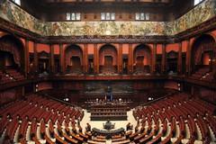 """Forza Italia, Berlusconi: """"I Sindaci in carica non saranno candidati"""""""