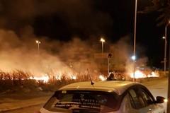 Incendio in via Stazio: in fiamme sterpaglie ed incolto