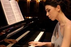 """Federica Fornabaio, dal Liceo """"C. Troya"""" al Festival di Sanremo"""