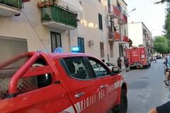 Piovono calcinacci da due balconi di via Bruno Buozzi: intervento dei Vigili del Fuoco