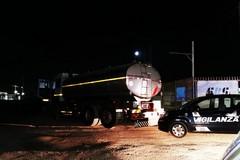 Tentano per due volte di rubare camion cisterna: intervento della Polizia di Stato e dei vigilanti