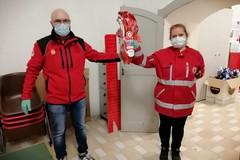 Doni pasquali per i meno fortunati donati dalla Croce Rossa