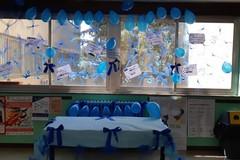 """La scuola """"E. Carafa"""" si colora di blu per la giornata sulla consapevolezza all'autismo"""