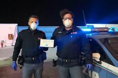 """Coronavirus: mascherine donate agli equipaggi delle """"volanti"""" della Polizia di Stato di Andria"""