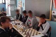"""""""Scacchi…che passione"""": gli alunni della scuola """"E. Fermi"""" superano la fase provinciale del campionato"""