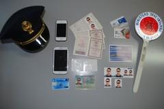 Arrestato giovane rumeno con numerosi documenti falsi