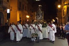I fedeli andriesi alla sequela della Madonna dei Miracoli nella tradizionale processione notturna