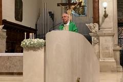 E' ufficiale, dal 18 maggio Messe con i fedeli anche ad Andria: il decreto di mons. Mansi