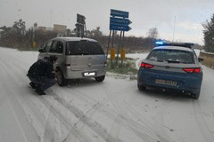 """Maltempo: numerosi automobilisti messi in salvo dalle """"Volanti"""" della P.S. di Andria"""
