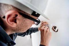Accessori per impianti elettrici: guaine, fascette e altri utensili fondamentali