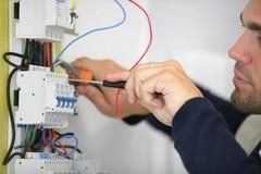 Opportunità gratuita di formazione e lavoro: iscrizioni al corso di elettricista