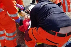 Una Panda finisce contro un camion in via Padre Savarese: ferito un 75enne
