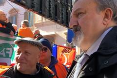 """Gilet arancioni, Emiliano: """"La Regione al fianco degli olivicoltori"""""""