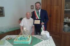 100 anni e non sentirli: auguri a nonno Giovanni