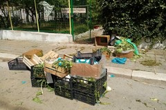 La Villa Comunale di Andria nel degrado dopo il mercato del lunedì