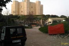 Fontana rimossa ai piedi di Castel del Monte