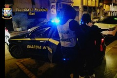 Guardia di Finanza: arrestati tre pregiudicati sorpresi mentre si spartivano i proventi dello spaccio serale