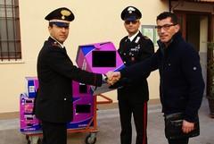 Imprenditore denunciato per ricettazione: i Carabinieri donano 200mila pannolini