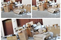 Rifiuti: perennemente in ritardo la raccolta carta in via Goffredo Normanno