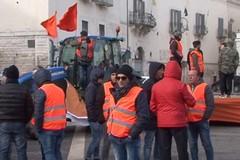 Crisi agricola: piazza Catuma si tinge di arancione. Alle 18 anche un comizio