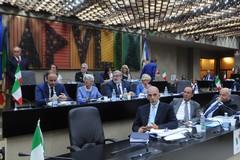 Bilancio regionale: 25 milioni per il trasporto pubblico, 8 per i rifiuti e 2 per i Centri per l'impiego