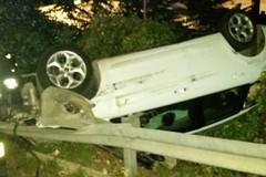 Auto finisce in scarpata a Barletta, ferito un andriese