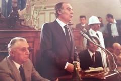 Targa commemorativa al Sen. Scamarcio nell'aula delle Commissioni Consiliari a Palazzo di Città