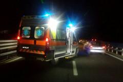 Sbanda con la sua auto: incidente questa notte sulla complanare della SS170