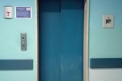 """Ospedale Bonomo: 5 ascensori nuovamente """"a terra"""""""