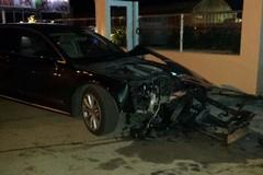 Spettacolare incidente su via Trani: due auto completamente distrutte