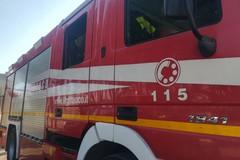 Incendio di una autovettura in viale Venezia Giulia: paura tra i residenti
