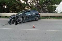 Fugge dopo aver tamponato una autovettura: incidente sulla tangenziale