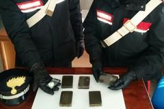 Due corrieri della droga arrestati dai Carabinieri con mezzo chilo di hashish