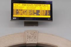 Bari Nord, ritardi nei treni: abbattuto passaggio a livello