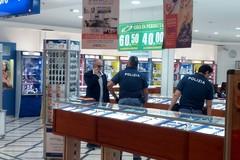 Banditi incappucciati tentano rapina alla gioielleria del Centro Mongolfiera di Andria