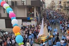Una schiera immensa di fedeli accompagna la Madonna dell'Altomare per le strade di Andria