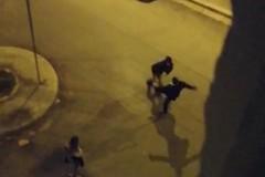 Picchia una ragazza in centro, il video fa il giro dei social