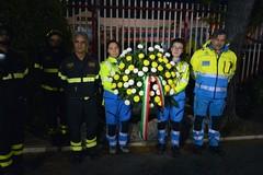 Omaggio delle Misericordie ai Vigili del fuoco uccisi in servizio