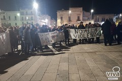 Attentato al carabiniere, Ruvo di Puglia fa rumore nel silenzio di un abbraccio