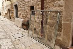 Inciviltà: altri rifiuti ingombranti per strada, questa volta nel centro storico di Andria