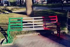 """La panchina """"Tricolore"""" di Gioventù Nazionale Bat"""