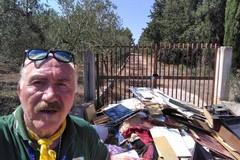 Rifiuti abbandonati davanti ad una villa: il ritrovamento dei Federiciani
