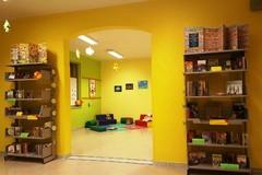 """La biblioteca del plesso """"Rodari"""" incrementa la dotazione libraria con la donazione del Rotaract Andria Castel del Monte"""