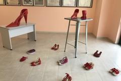 25 novembre, scarpette rosse al liceo scientifico Nuzzi